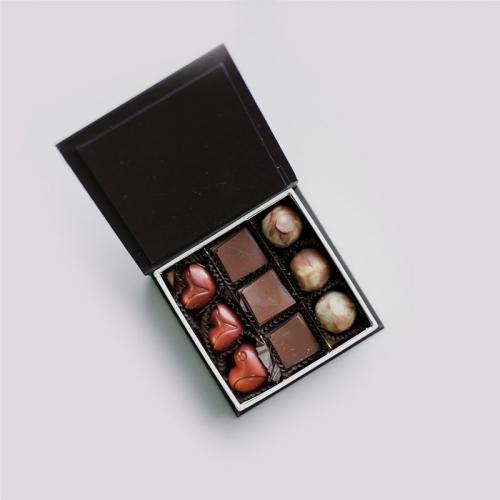 confezione 9 cioccolatini assortiti